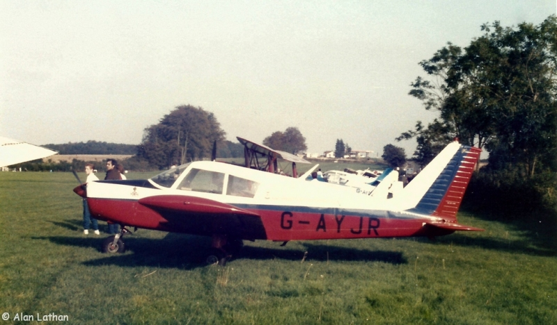 G-AYJR Popham UK 13 Oct 1985